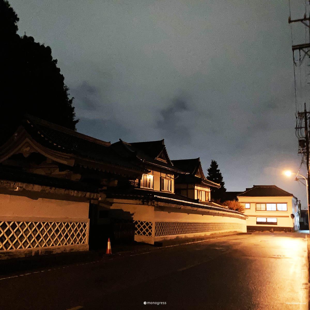 善光寺 付近の宿坊と夜