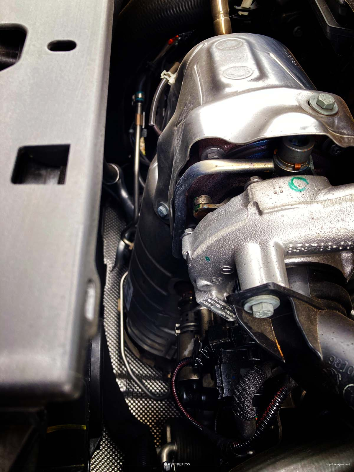 PSA Peugeot 308 エンジンルーム