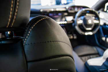 Peugeot 508 Premium Leather Edition 追加の裏を読む
