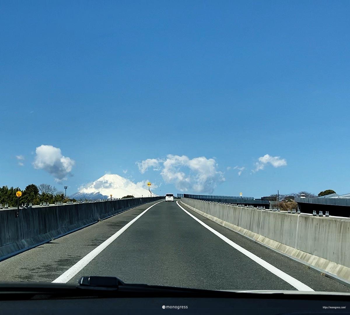 富士山が大きく見える静岡ドライブは楽しいぞ
