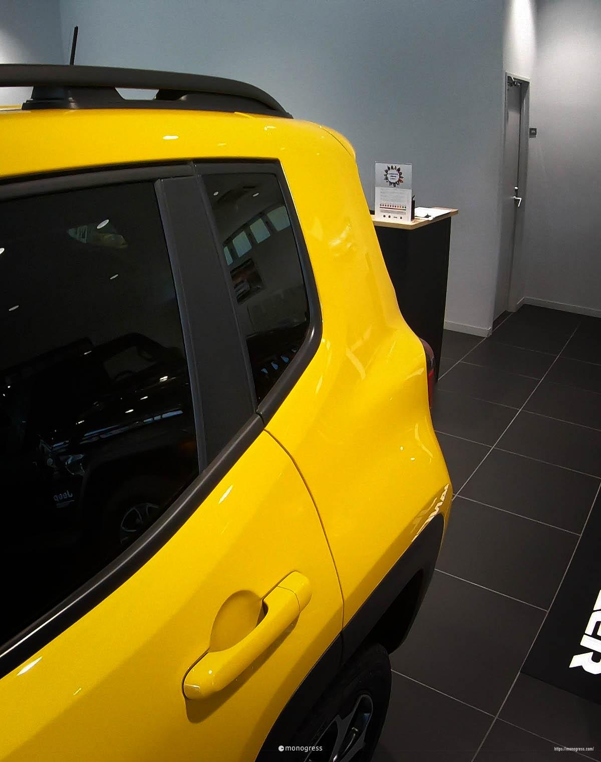 Jeep レネゲード リアの形状