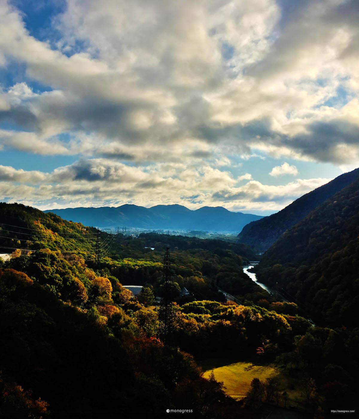 大町ダムの景色