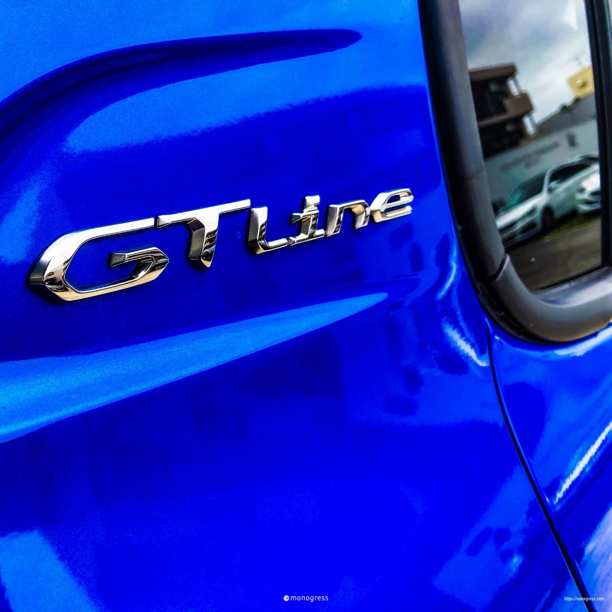 Peugeot 208 GTLine エンブレム