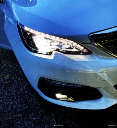 Peugeot 308 フォグランプの操作はウインカーレバーの内側を回すだけ