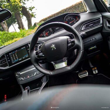 【i-Cockpitの本質】操縦の違和感はドライビング・ポジションにあり