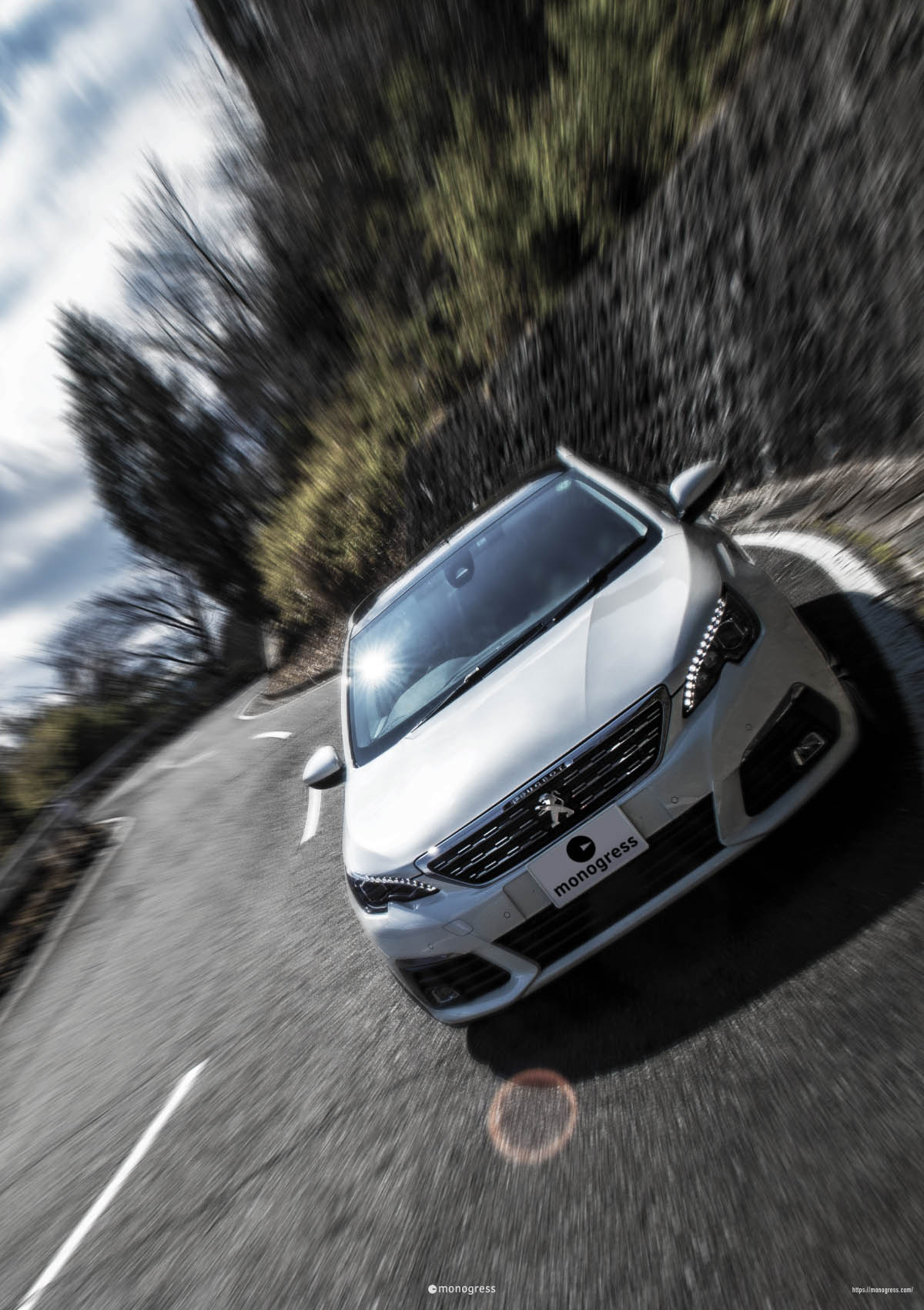 Peugeot 308SW 走行中風写真