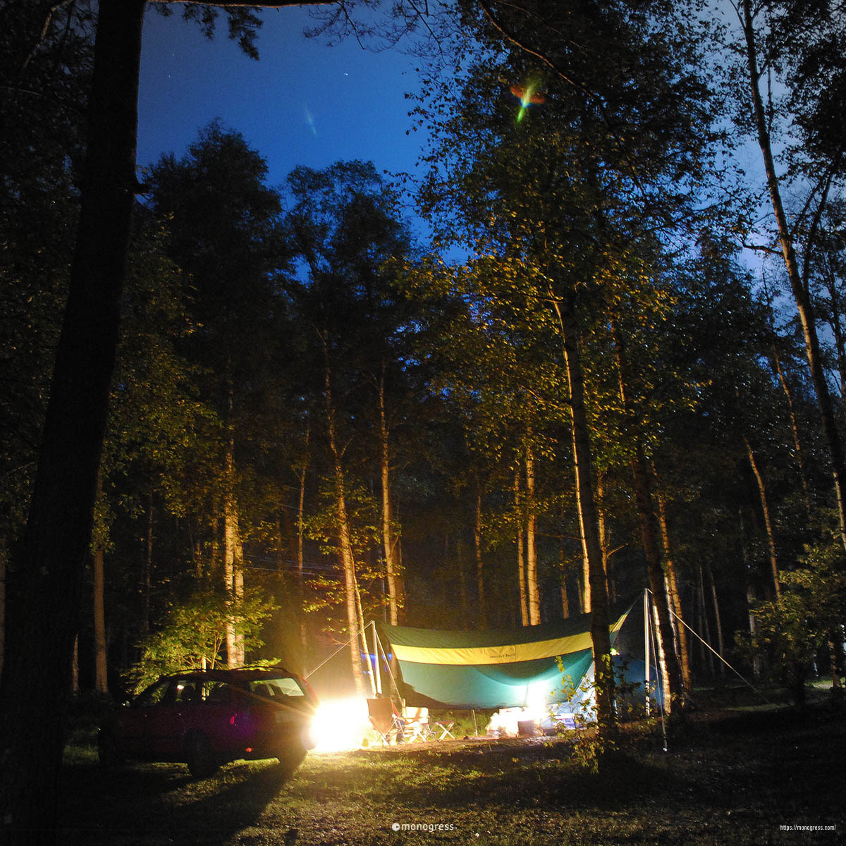 VOLVO V50でキャンプ