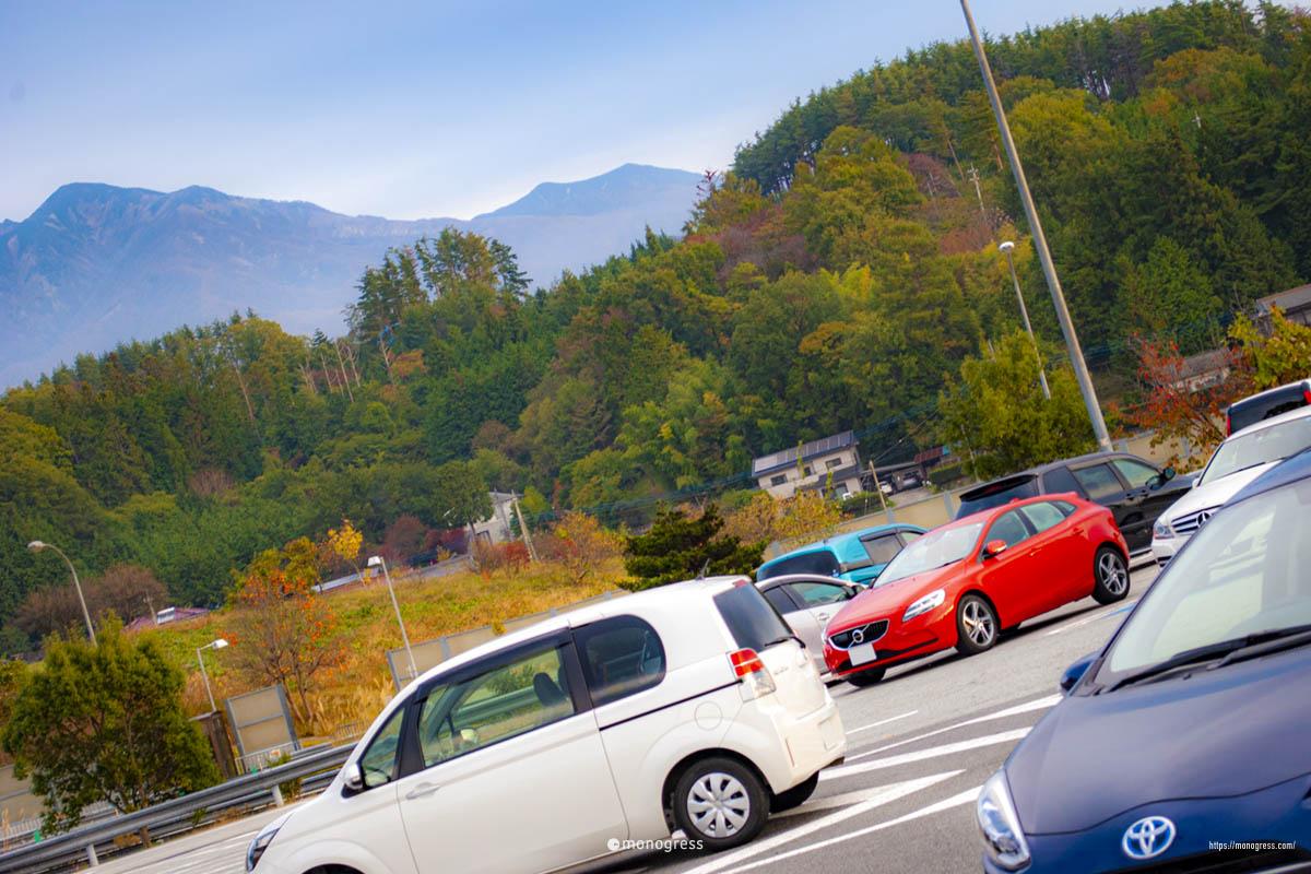 ボルボV40で紅葉ドライブ 八ヶ岳が見えてきた