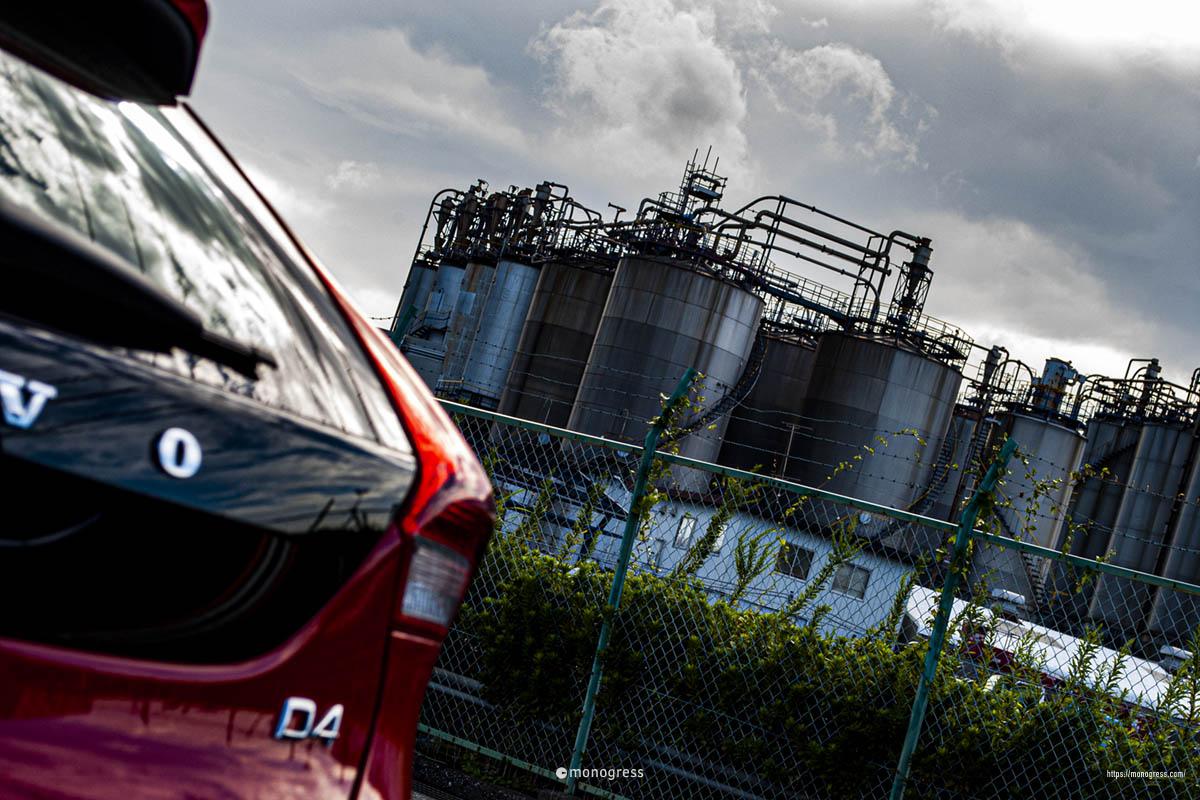 ボルボV40と川崎工業地帯