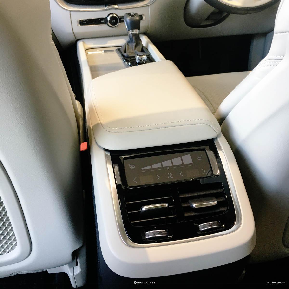 VOLVO XC60 リアエアコン